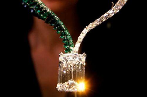 Những viên kim cương đắt nhất thế giới bán đấu giá trong năm 2017 - Ảnh 2