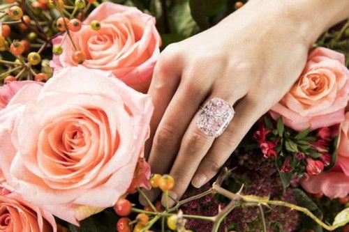 Những viên kim cương đắt nhất thế giới bán đấu giá trong năm 2017 - Ảnh 1