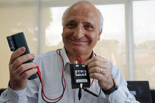 Giải pháp hồi phục pin điện thoại cũ tới 95% - Ảnh 1