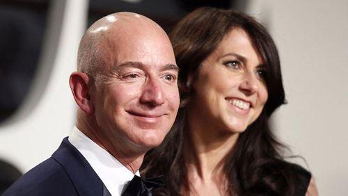 Những sự thật ít người biết về khối tài sản 105 tỷ USD của CEO Amazon - Ảnh 2