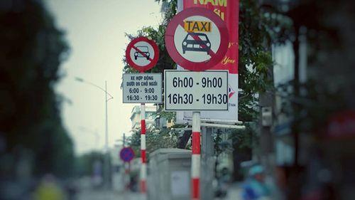 Từ hôm nay, Hà Nội cấm xe Uber và Grab theo giờ trên 13 tuyến phố - Ảnh 1