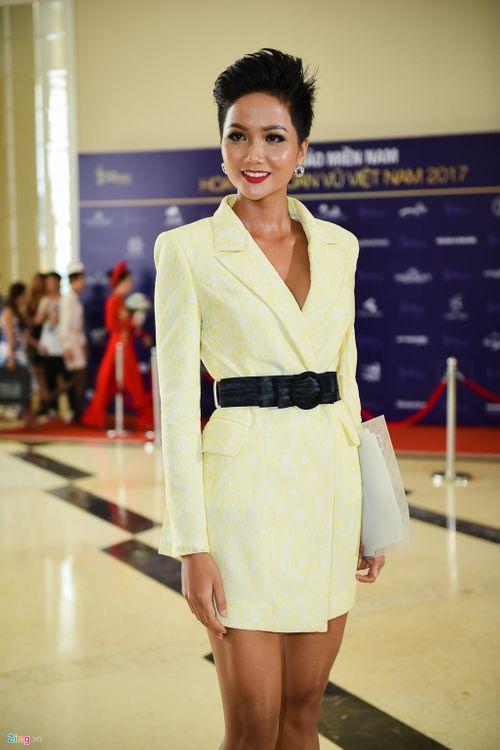 Quá khứ của Hoa hậu Hoàn vũ H'Hen Niê tiếp tục gây chú ý - Ảnh 6