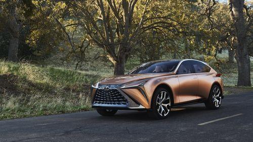 Ra mắt Lexus SUV LF-1 Limitless, đẹp long lanh - Ảnh 1