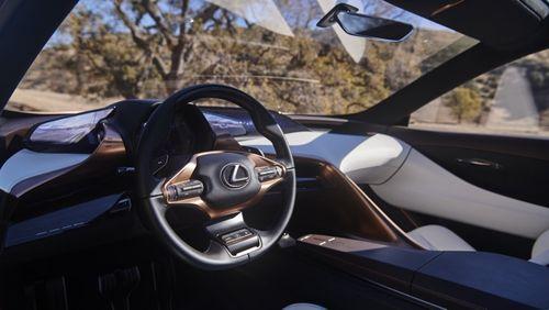 Ra mắt Lexus SUV LF-1 Limitless, đẹp long lanh - Ảnh 3