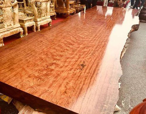 Sập gỗ nu cẩm lai giá lên tới 3 tỷ đồng ở Hà Nội có gì đặc biệt? - Ảnh 2