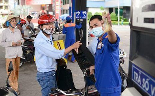 Giá xăng có thể tăng mạnh vào chiều nay - Ảnh 1