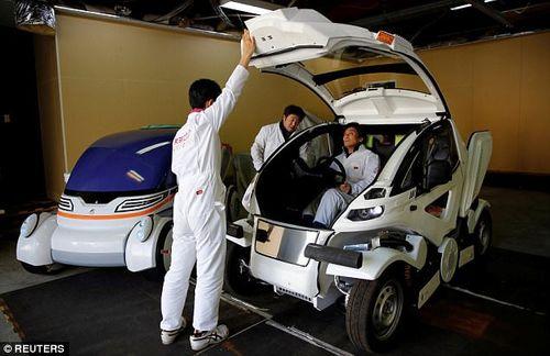 Chiếc ô tô điện có thể gập lại như phim Transformer có giá thế nào? - Ảnh 2