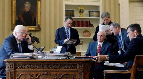 Chính quyền của ông Donald Trump đang thiếu hàng trăm vị trí chủ chốt - Ảnh 1