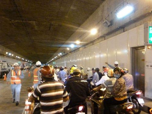 Tạm dừng lưu thông qua hầm vượt sông Sài Gòn - Ảnh 1