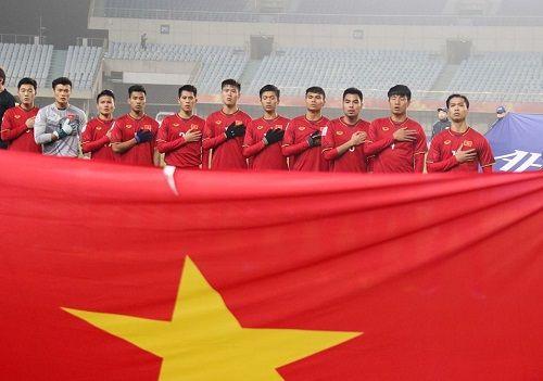 Đội tuyển U23 Việt Nam sẽ được mặc áo đỏ may mắn trong trận gặp U23 Uzbekistan  - Ảnh 1