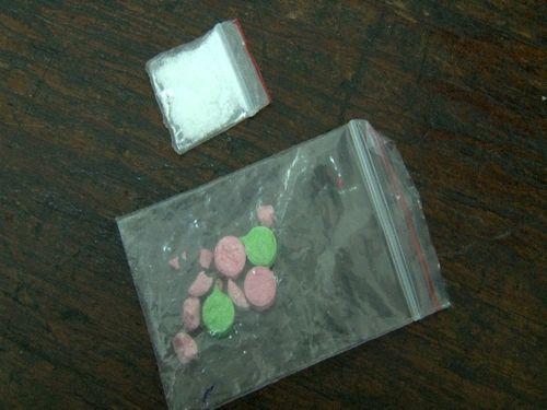Huế: Bắt 5 đối tượng sử dụng ma túy trong khách sạn - Ảnh 1