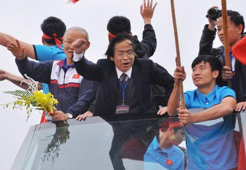 Lãnh đạo VFF mâu thuẫn vì ông Nguyễn Lân Trung - Ảnh 1