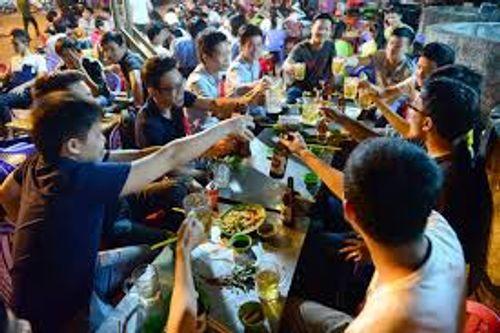 """Trung Quốc ra mắt ứng dụng """"nhờ người uống rượu thay"""" - Ảnh 1"""