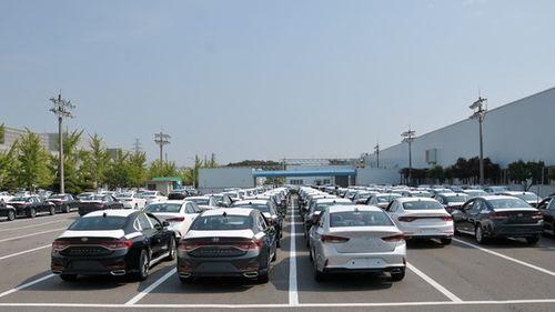 Việt Nam chi hơn 2,1 tỷ USD nhập 94.000 xe hơi - Ảnh 1