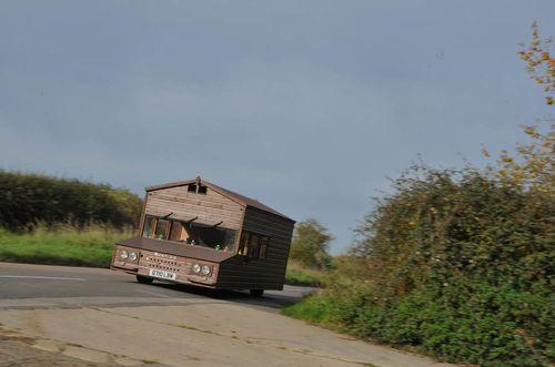 Chiêm ngưỡng căn nhà gỗ có thể đạt vận tốc 160km/h - Ảnh 1