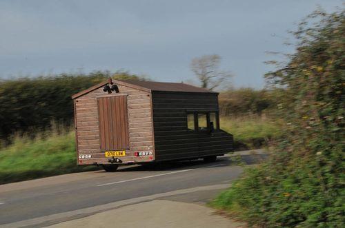 Chiêm ngưỡng căn nhà gỗ có thể đạt vận tốc 160km/h - Ảnh 4