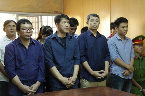 """Vụ bảo kê đường dây logo """"xe vua"""": Nguyên CSGT lãnh 8 năm tù, 80 cán bộ không bị truy cứu - Ảnh 1"""