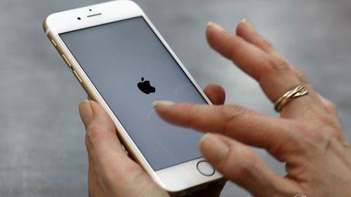 Giữa tâm bão, Apple tái khẳng định không cố ý làm chậm iPhone - Ảnh 1