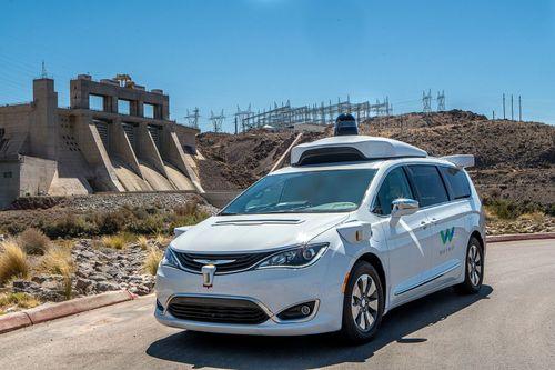 Google đặt mua hàng nghìn xe Chrysler để thử nghiệm công nghệ xe tự lái - Ảnh 1