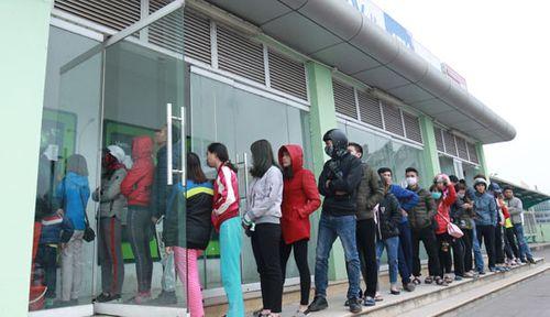 Đà Nẵng: Xếp hàng dài trước cây ATM chờ rút tiền - Ảnh 4