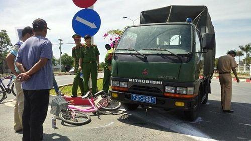 Va chạm với xe Cảnh sát Cơ động, một người tử vong - Ảnh 1