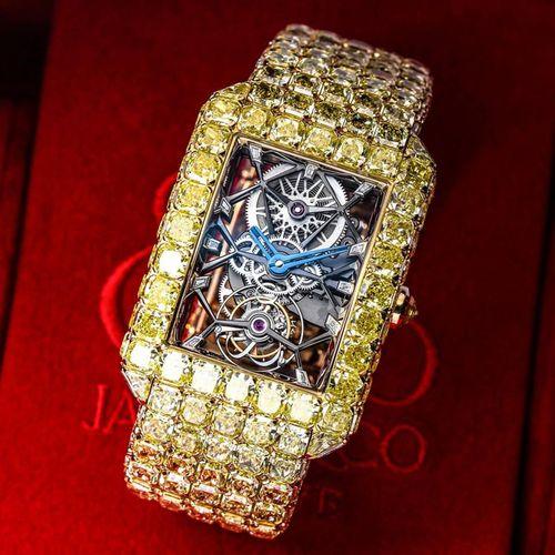 Cận cảnh chiếc đồng hồ nạm 127,45 carat kim cương  - Ảnh 1