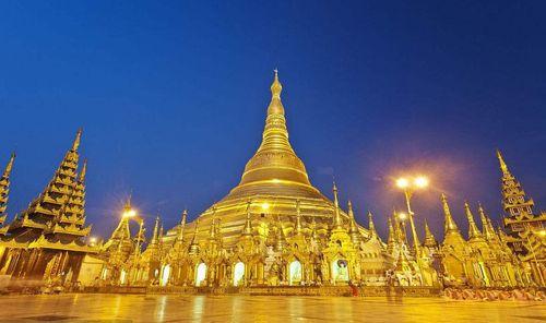 Toà tháp làm từ 72 tấn vàng và hàng nghìn carat kim cương - Ảnh 1