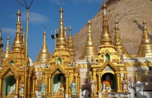 Toà tháp làm từ 72 tấn vàng và hàng nghìn carat kim cương - Ảnh 3