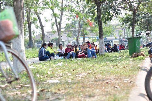 """Giám đốc người Hàn """"bặt vô âm tín"""", hàng ngàn công nhân vạ vật chờ việc  - Ảnh 2"""