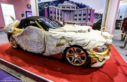 """""""Phát sốt"""" với loạt ôtô dát vàng của đại gia Trung Quốc - Ảnh 1"""