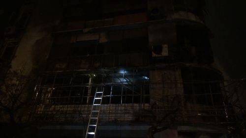 Phòng giao dịch của Ngân hàng VPBank bốc cháy dữ dội - Ảnh 1