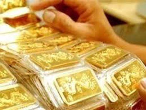 Giá vàng hôm nay 27/2/2018: Vàng SJC tiếp tục giảm 61 nghìn đồng/lượng - Ảnh 1