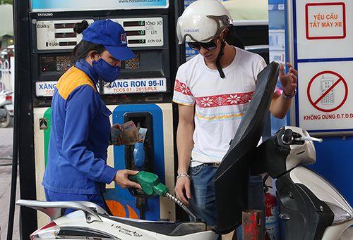 Giữ nguyên giá các mặt hàng xăng dầu - Ảnh 1