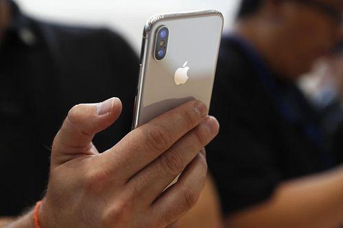 Hàng trăm người phàn nàn iPhone X không thể nhận cuộc gọi - Ảnh 1