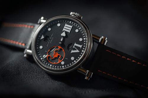 Đồng hồ hàng hiệu làm từ vật liệu hàng không vũ trụ giá đến 300 triệu đồng - Ảnh 5