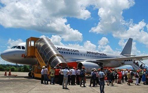 Thời tiết xấu chuyến bay Jetstar phải cắt giảm hành lý của khách - Ảnh 1