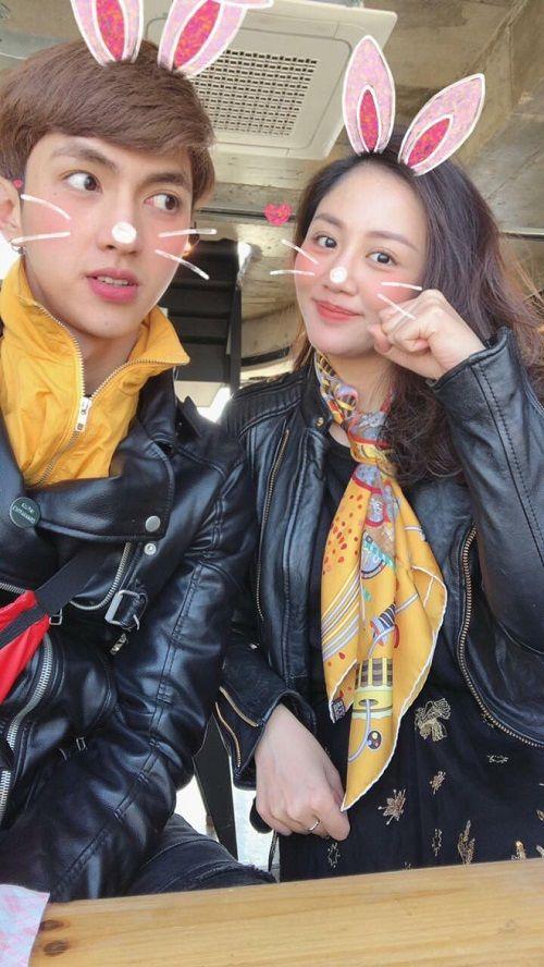 Văn Mai Hương và Bình An diện đồ đôi, nắm tay nhau đi du lịch Hàn Quốc - Ảnh 2