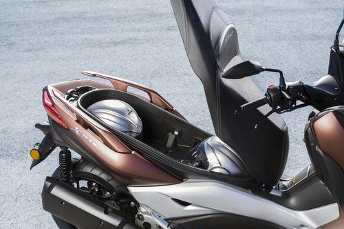 """Cận cảnh mẫu Yamaha XMax 250 2018 giá """"khủng"""" 130 triệu đồng - Ảnh 2"""