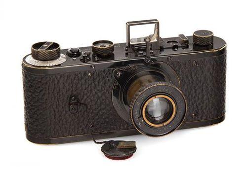 Chiếc máy ảnh đắt nhất thế giới có giá 67 tỷ đồng có gì đặc biệt?  - Ảnh 1