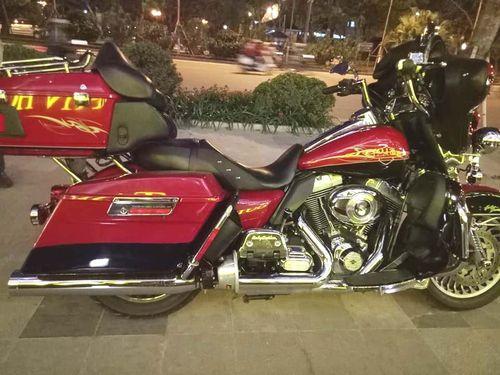 Cận cảnh siêu mô tô Harley có giá 1,8 tỷ đồng trên đường phố Hà Nội  - Ảnh 2