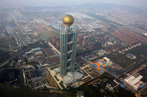 """Chiêm ngưỡng hai khách sạn """"dát vàng"""" ở Trung Quốc - Ảnh 5"""