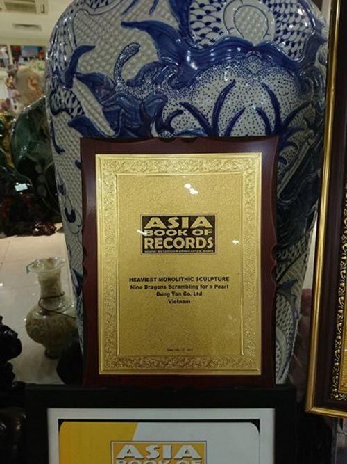 Cận cảnh bức tranh ngọc tạc 9 con rồng lớn nhất châu Á được trả 10 tỷ đồng - Ảnh 3