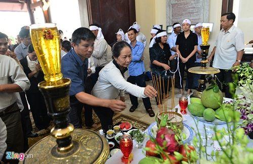 Đưa linh cữu nguyên Thủ tướng Phan Văn Khải đến Hội trường Thống Nhất - Ảnh 1