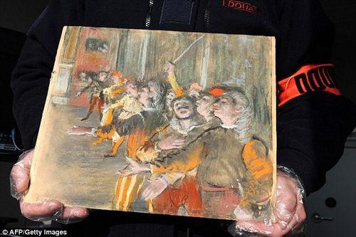 Bí ẩn bức tranh 22 tỷ đồng tìm thấy trên chiếc vali bỏ trên xe buýt - Ảnh 1