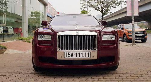 Chiếc siêu xe Rolls-Royce 11 tỷ đồng bán trên vỉa hè  - Ảnh 1