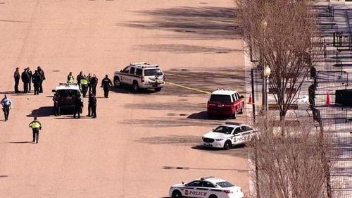 Mỹ: Điều tra vụ nổ súng tự tử trước cổng Nhà Trắng - Ảnh 1