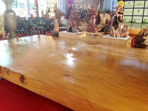Những chiếc sập gỗ đẹp như bức bình phong có giá hơn hàng tỷ đồng - Ảnh 2