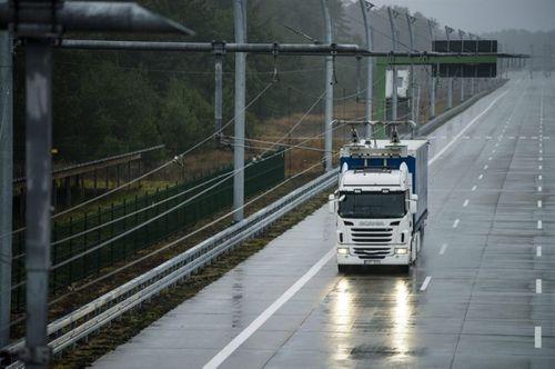 Thụy Điển mở đường cao tốc sạc điện đầu tiên trên thế giới - Ảnh 2