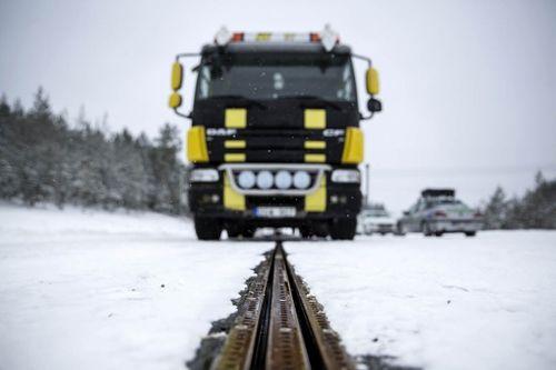 Thụy Điển mở đường cao tốc sạc điện đầu tiên trên thế giới - Ảnh 1