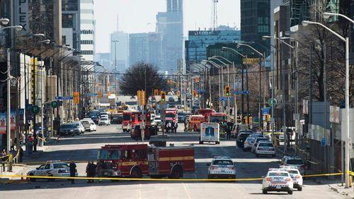 Hiện trường vụ đâm xe kinh hoàng khiến nhiều người thương vong ở Canada - Ảnh 5